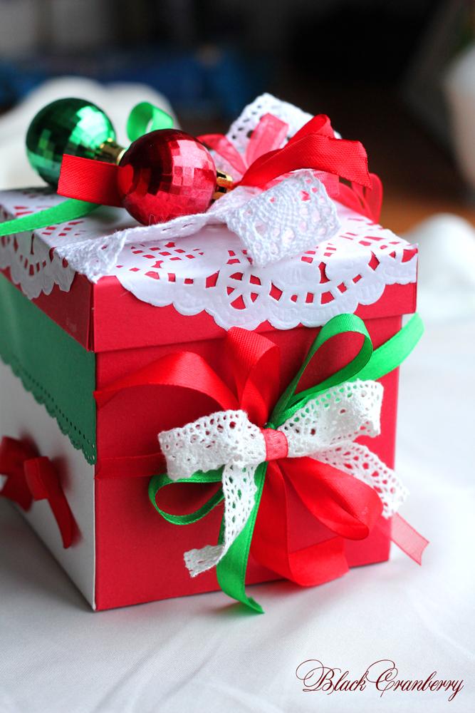 Как сделать большую новогоднюю коробку для подарка своими руками